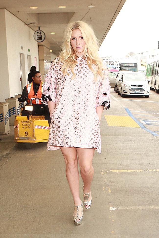 Kesha, Míralos