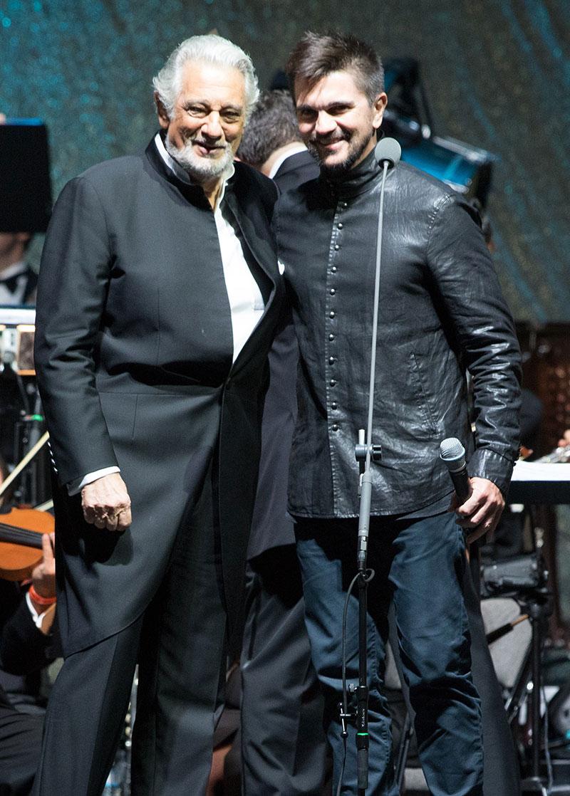 Miralos, Placido Domingo, Juanes