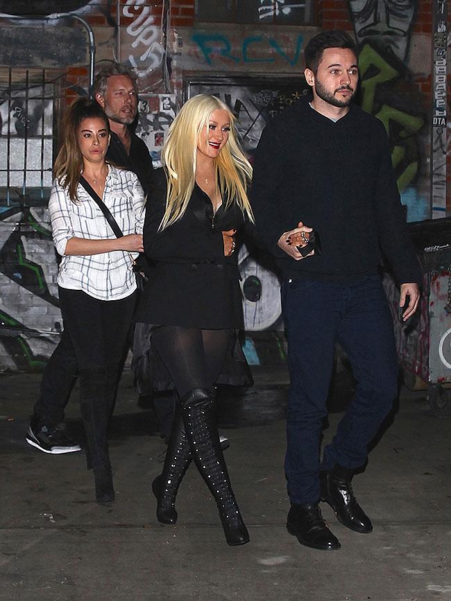 Christina Aguilera, Matthew Rutler, Míralos