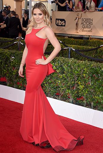 Kimberly Dos Ramos, vestido rojo
