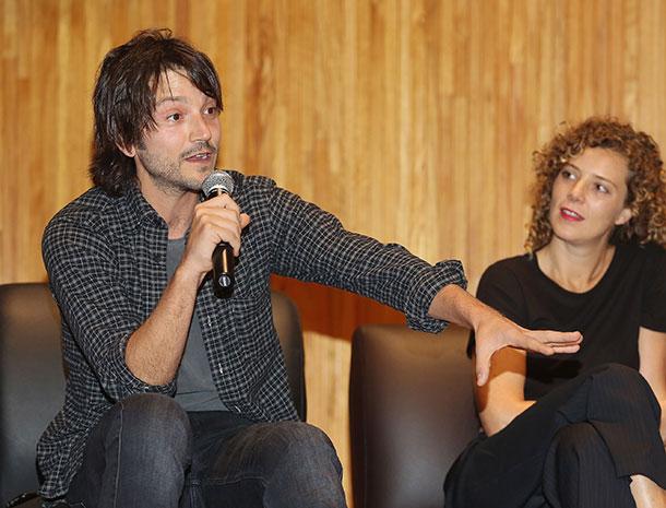Miralos, Diego Luna, Johanna Murillo
