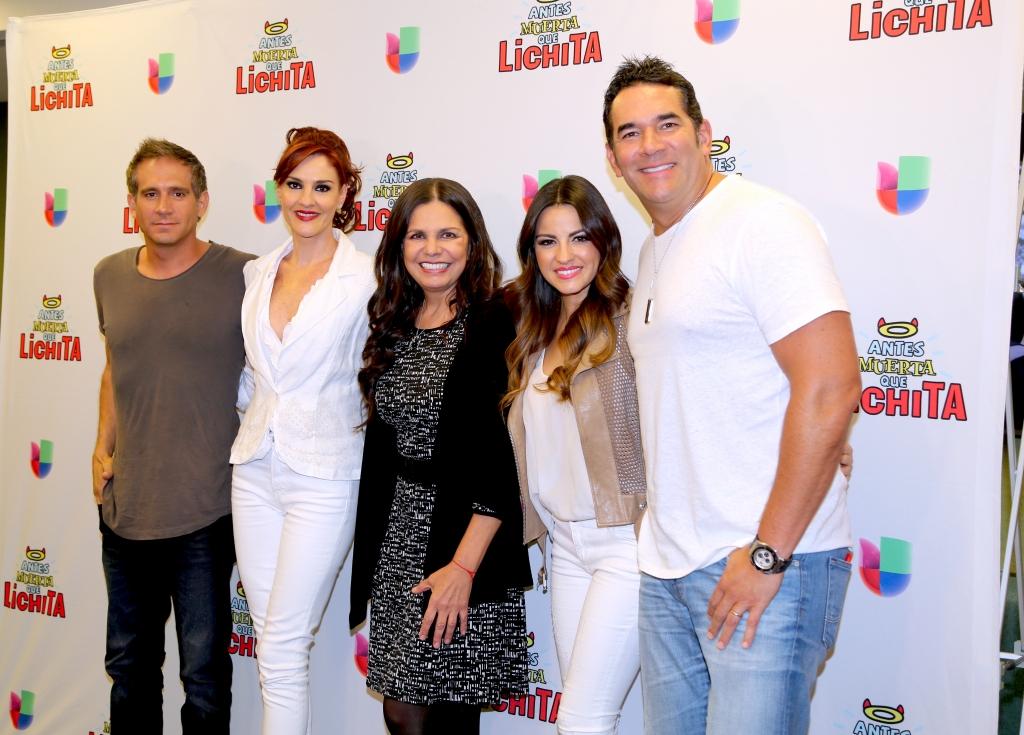 """El elenco de """"Antes Muerta que Lichita"""""""