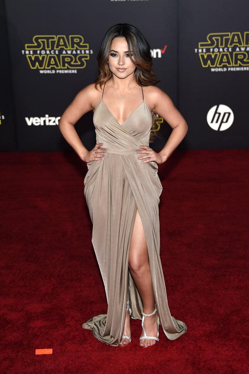 Becky G, looks de alfombra roja