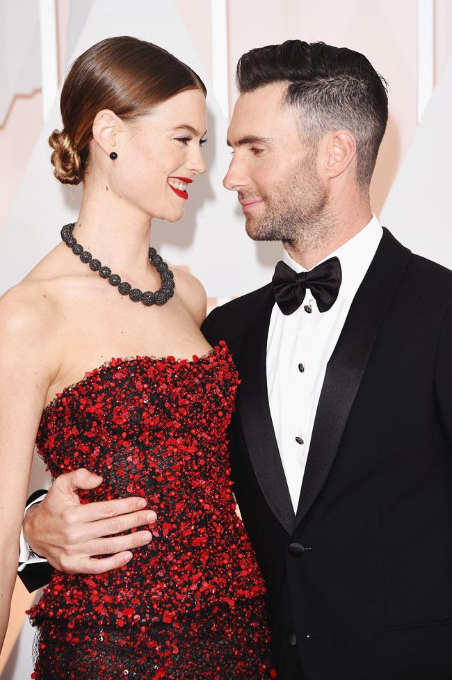 Adam Levine y su esposa Behati Prinsloo
