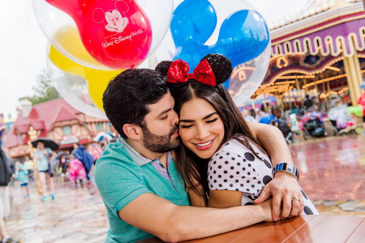 Alejandra Espinoza en familia en Disney