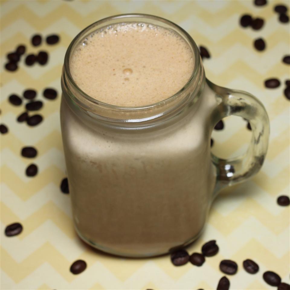 Smoothie de café con chocolate y fruta