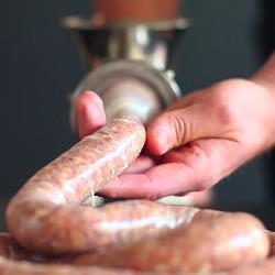 Cómo hacer salchichas caseras