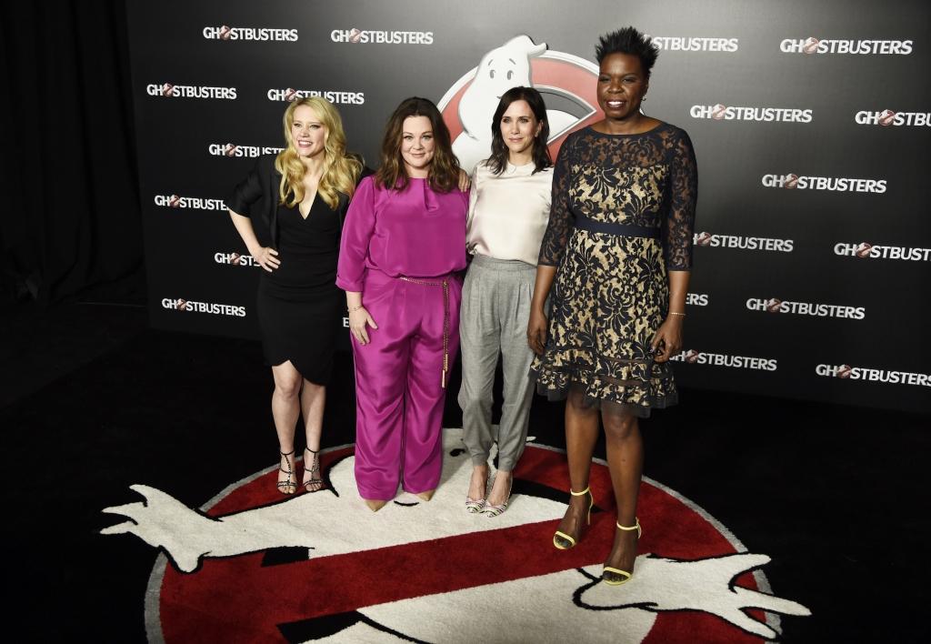 El elenco Kate McKinnon, Kristen Wiig, Melissa McCarthy y Leslie Jones