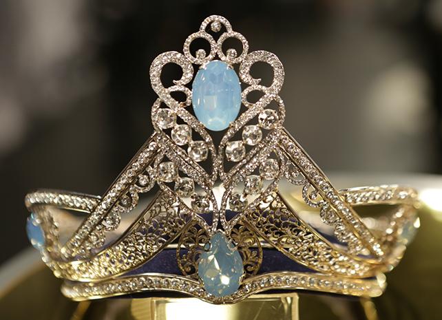 Corona de Nuestra Belleza Latina VIP