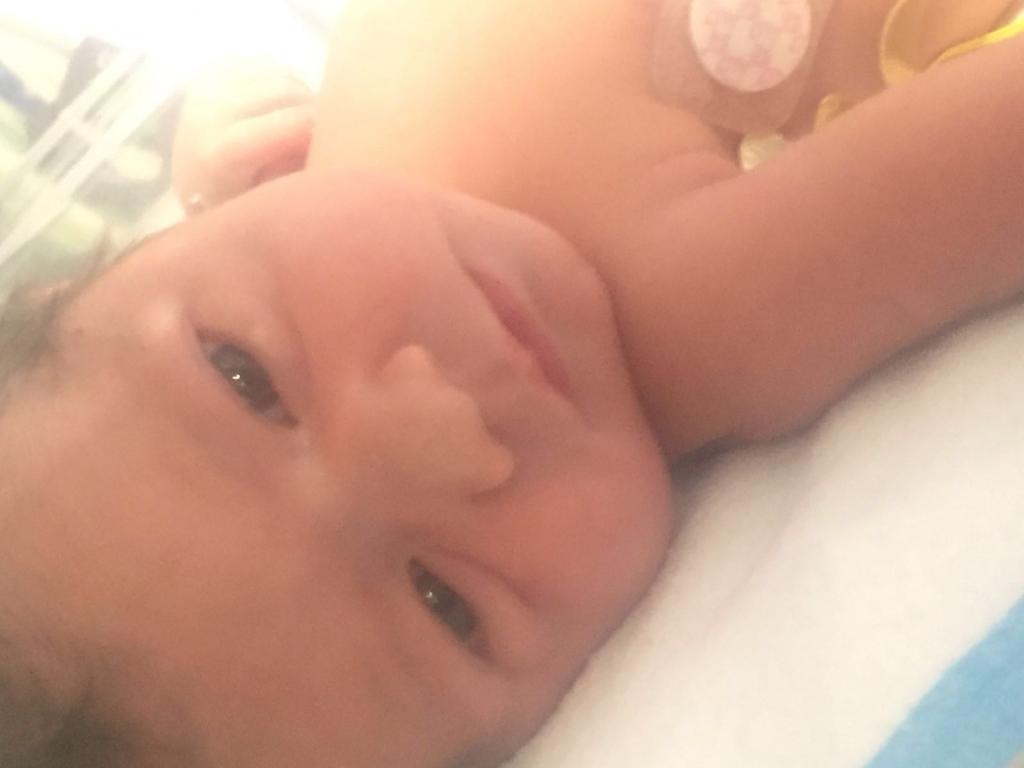 La bebé Carolina Sandoval, Amalia Victoria