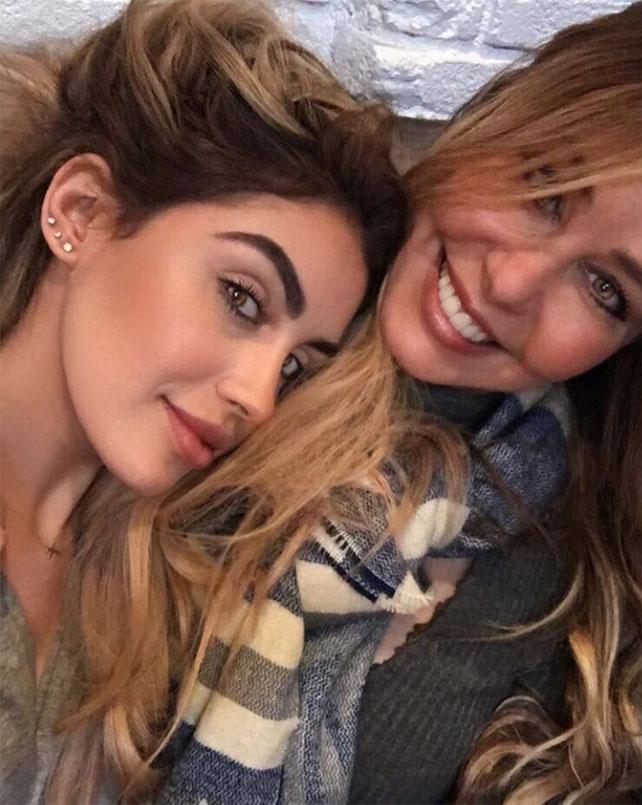 Myrka Dellanos, Alexa Dellanos, vida familiar, guapas