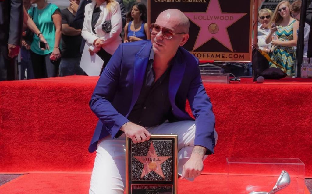 Pitbull en el Paseo de la fama