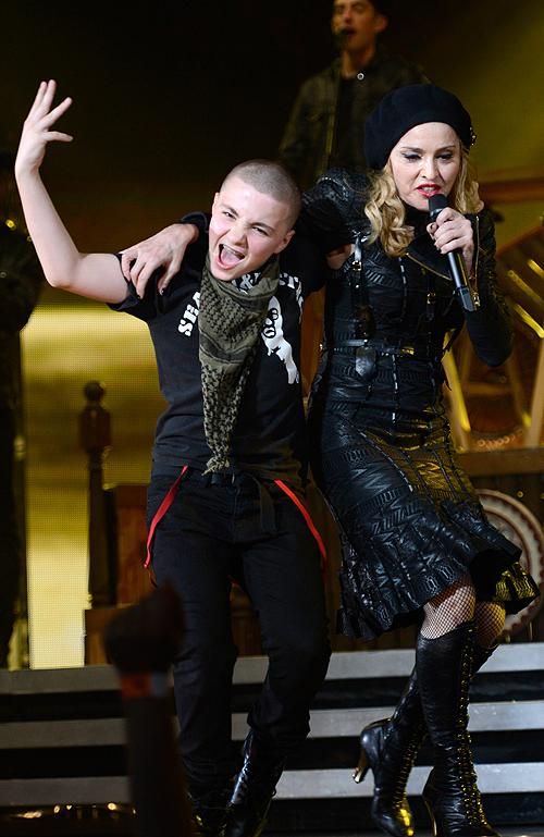 Madonna, Rocco, Mama a los 40