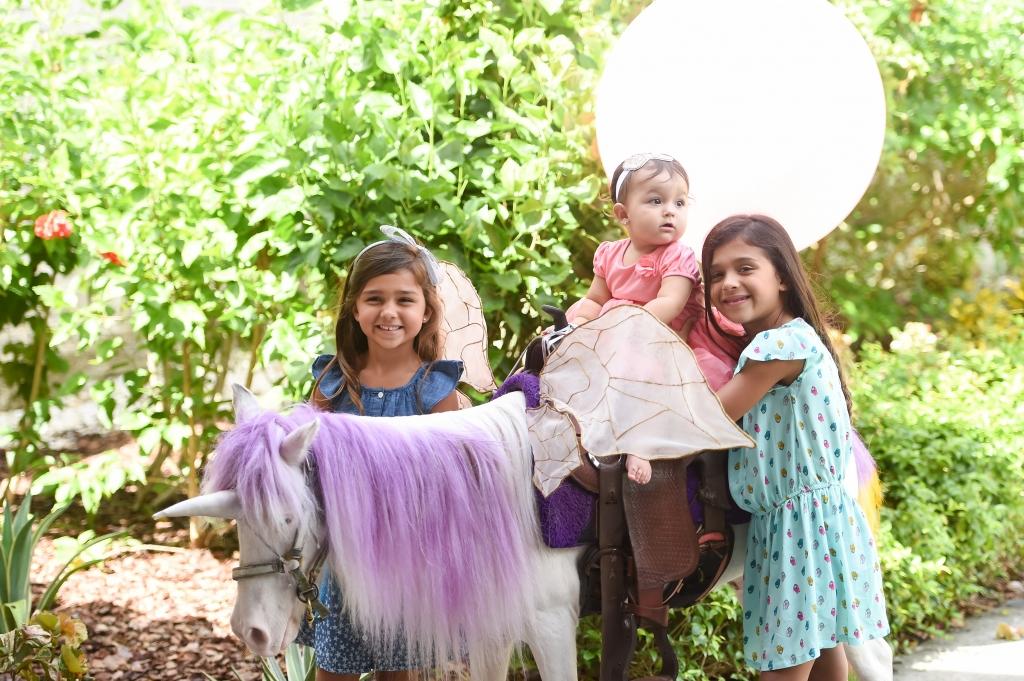 Sofia en su cumpleaños con su hermanitas