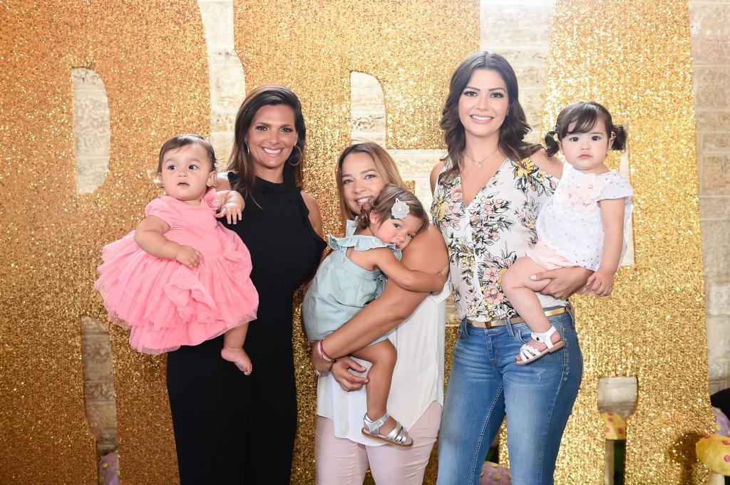Barbara Bermudo, Adamari Lopez y Ana Patricia Gámez con sus hijas en el cumpleaños de Sofia