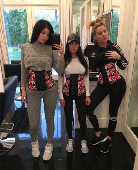 Kylie Jenner, Kourtney Kardashian y Khloe Kardashian