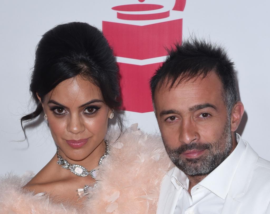 Mario Domm y su esposa