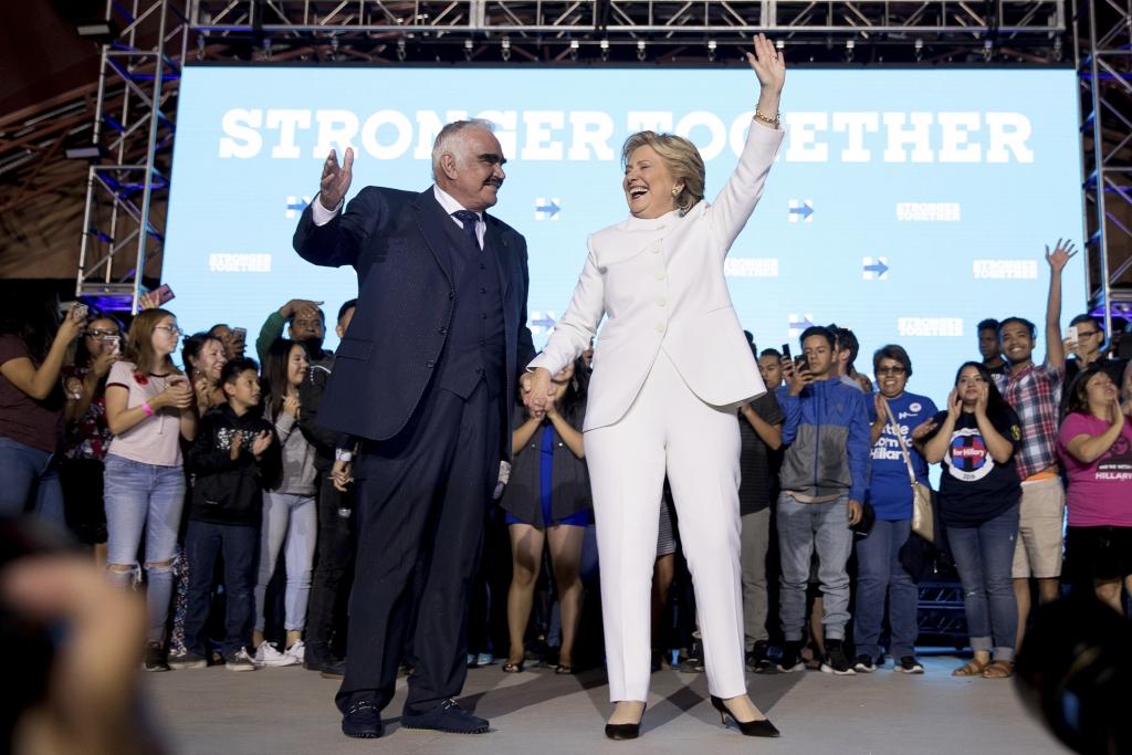 Vicente Fernández, Hillary Clinton