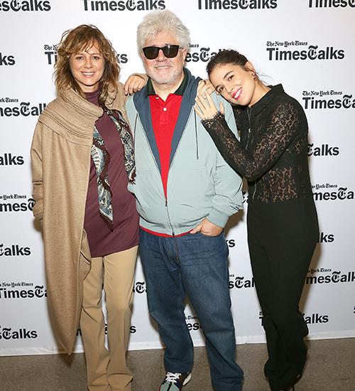 Emma Suárez, Pedro Almodóvar, Adriana Ugarte