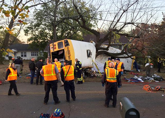 Autobús, chocado, Chattanooga, TN