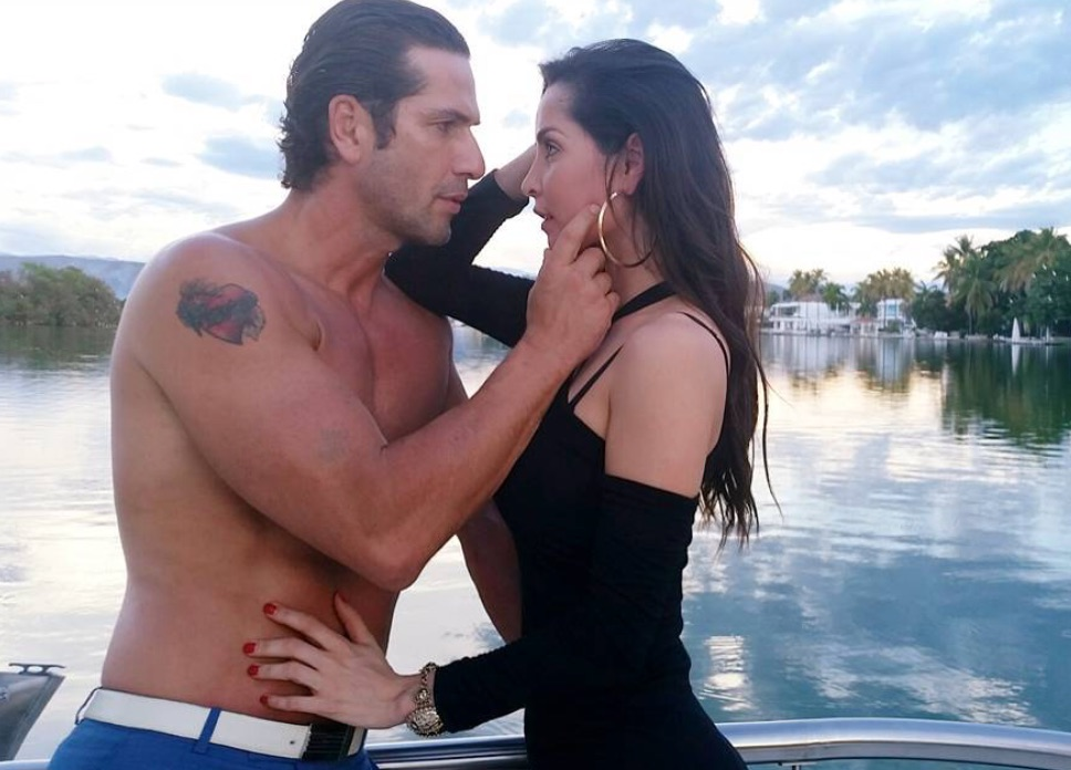 Carmen Villalobos y Gregorio Pernía