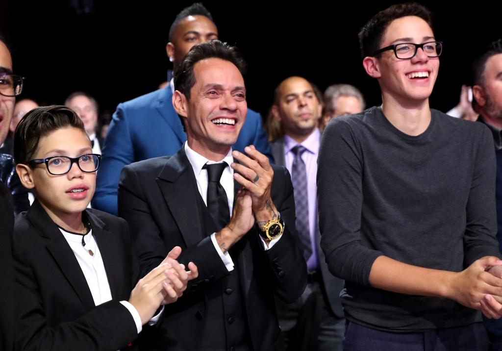 Marc Anthony con sus hijos Ryan y Cristian