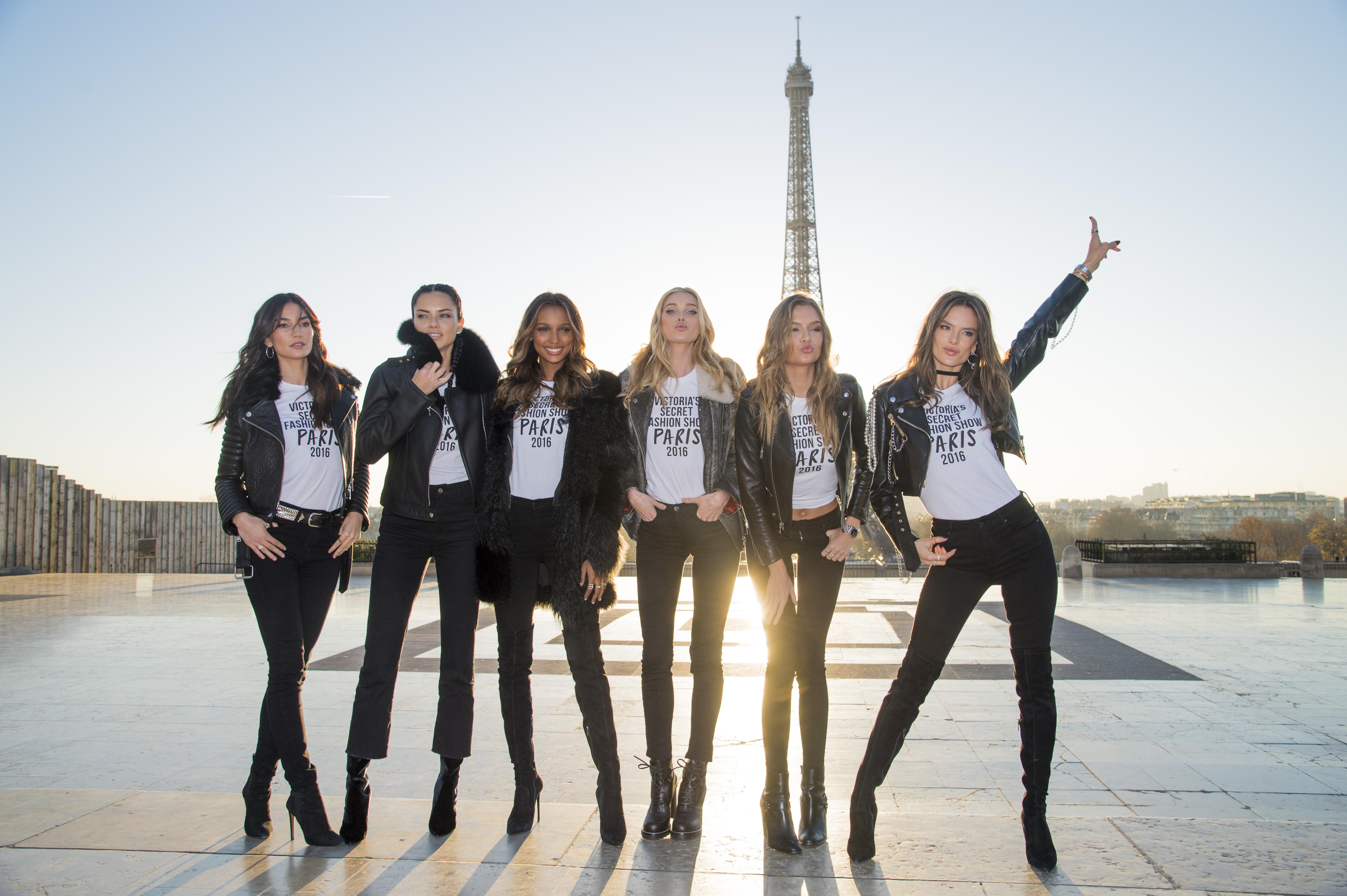 2016 Victoria's Secret Fashion Show - Eiffel Tower