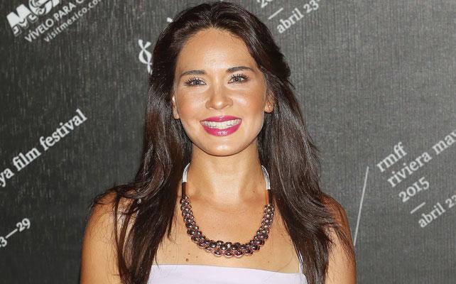 Adriana Louvier para artículo