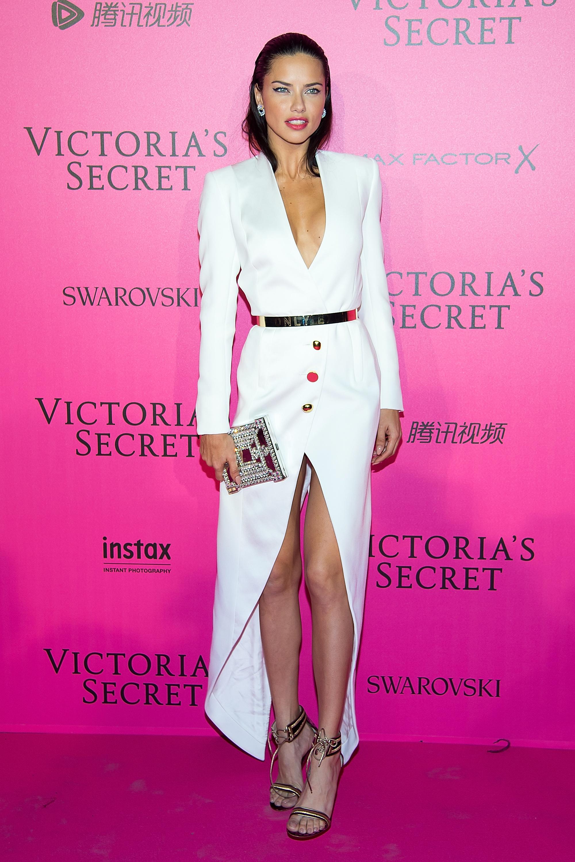 Adriana Lima en el after party de Victoria's Secret