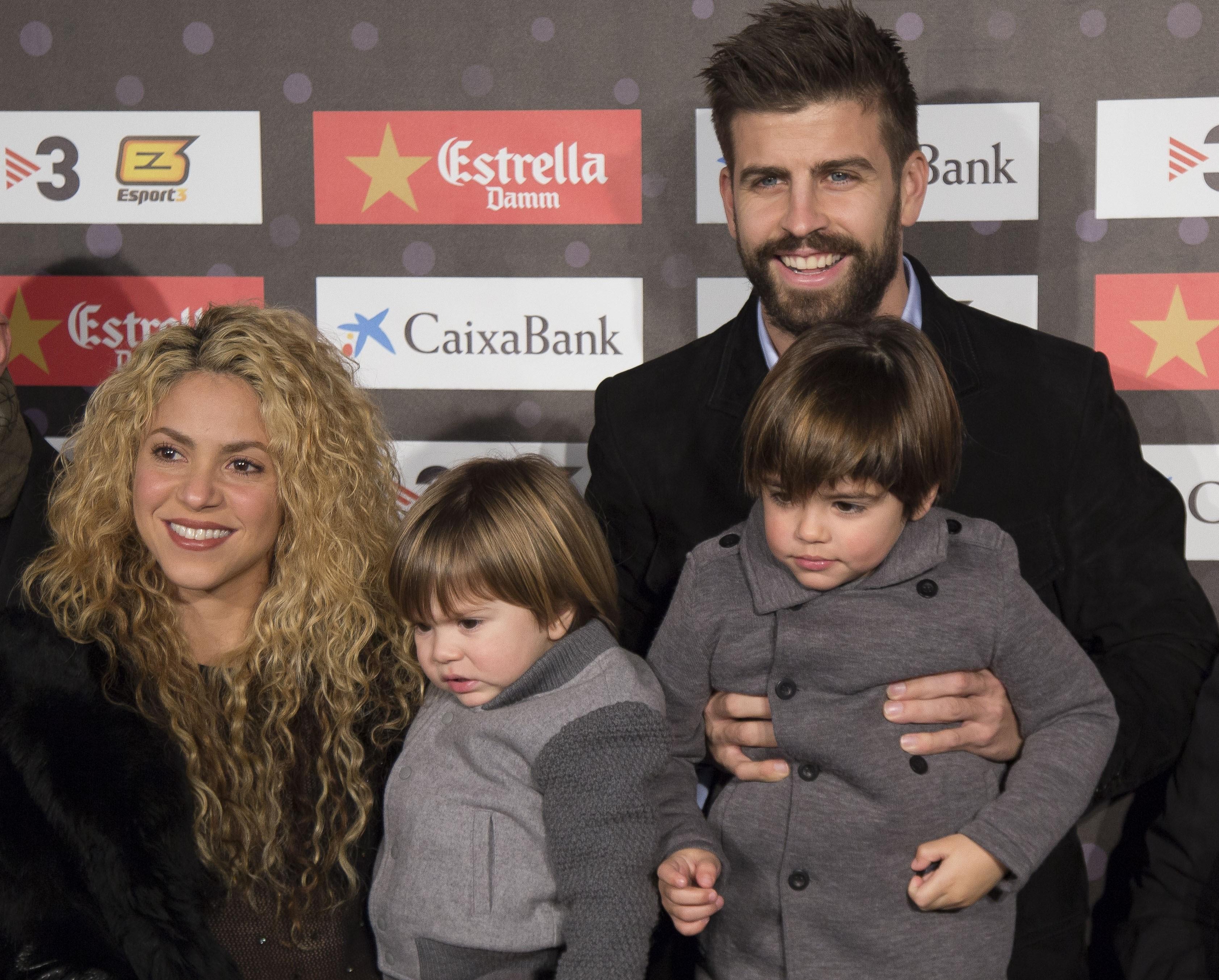 Shakira, Gerard Pique y sus hijos Milan y Sasha