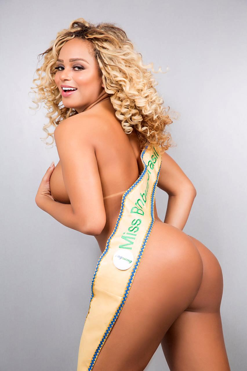 New Miss Bumbum, Erika Canela, in a Jaw–Dropping Photo Session