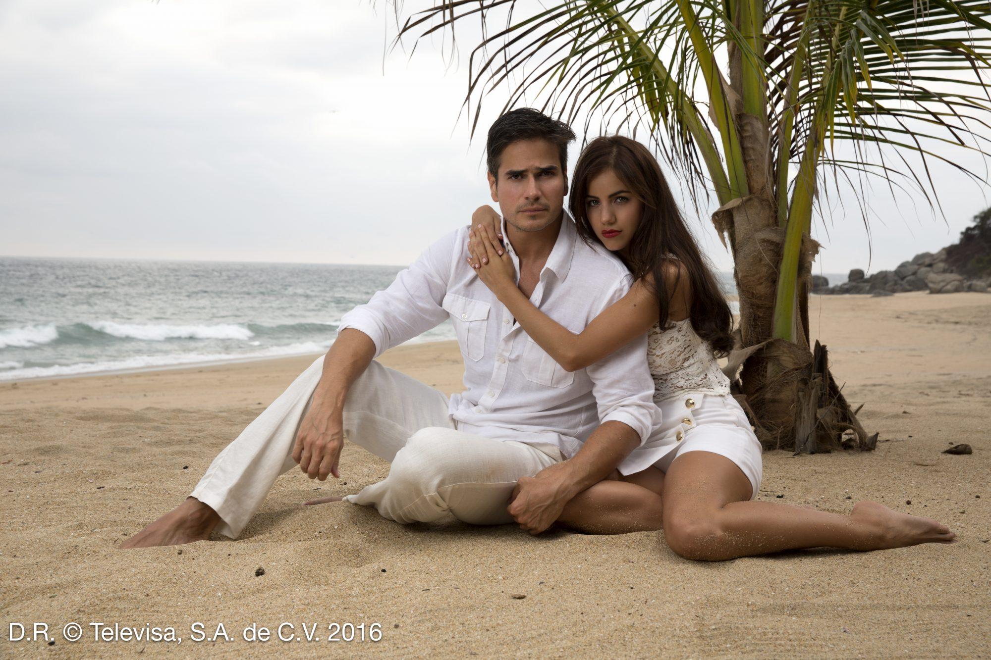 Ela Velden y Daniel Arenas