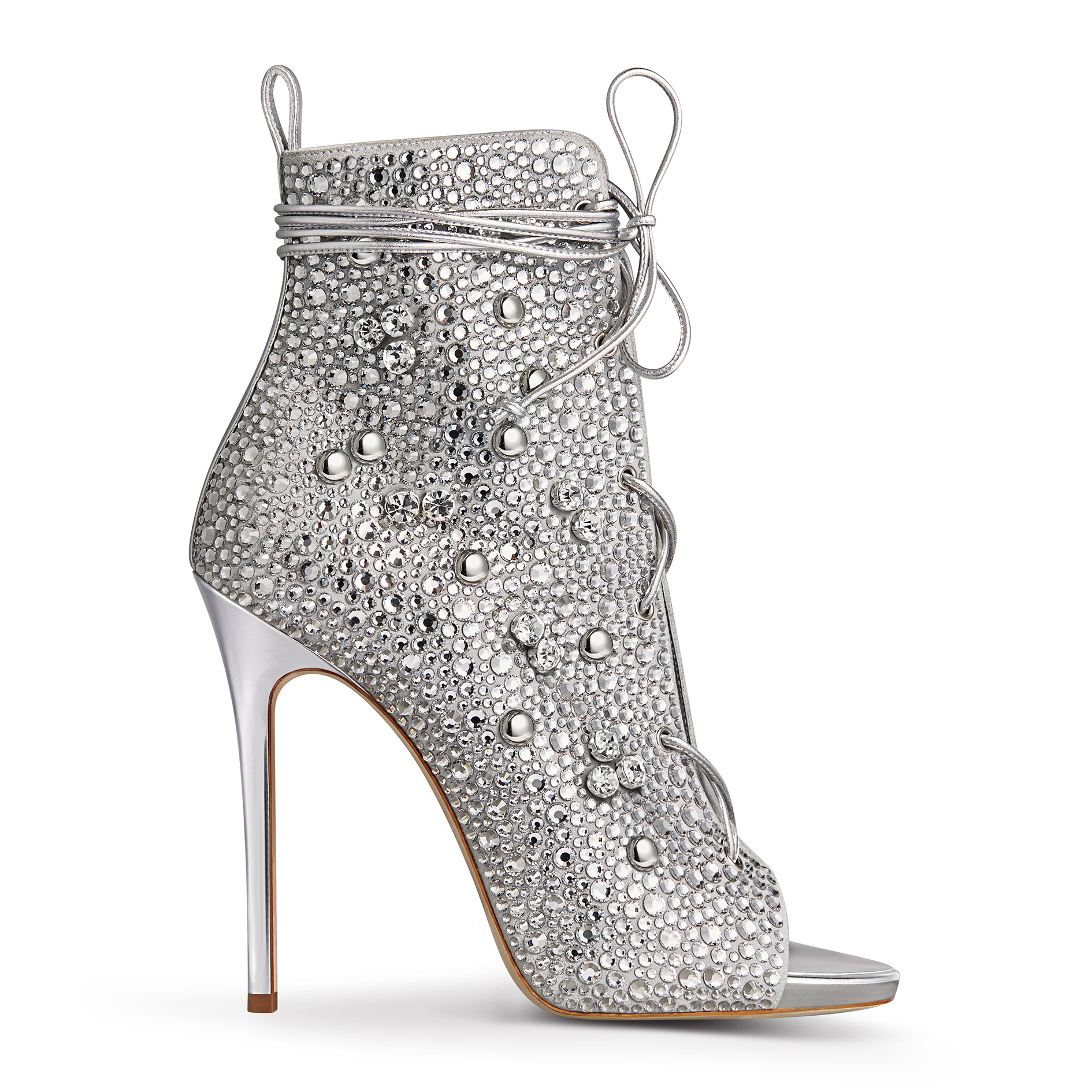 Giuseppe Zanotti Shoe heel. no credit. used only for the 1/30 style- Jennifer Lopez Story. Must contact Sharon.Kanter@peoplemag.com