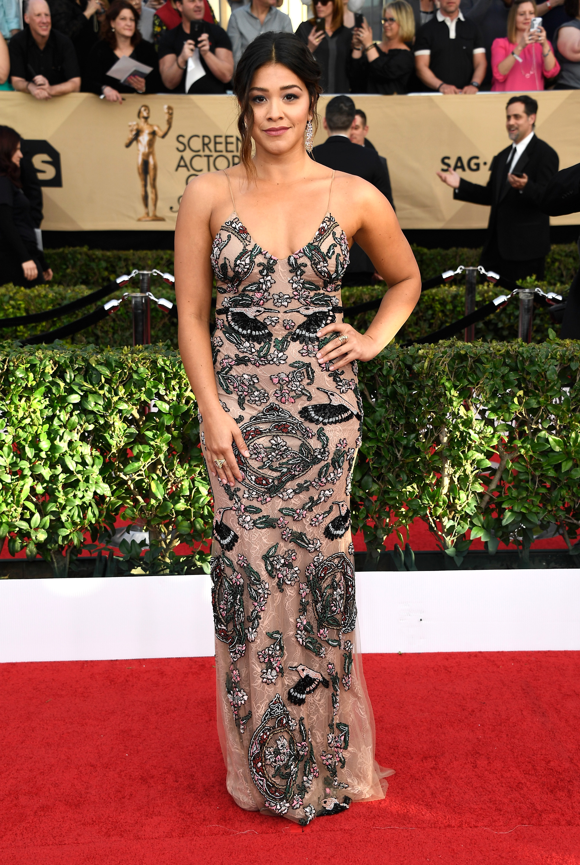 Gina Rodriguez SAG awards vestido