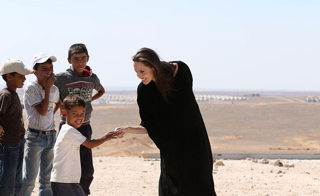 Angelina Jolie visita campo de refugiados sirios en Jordania, 2016.