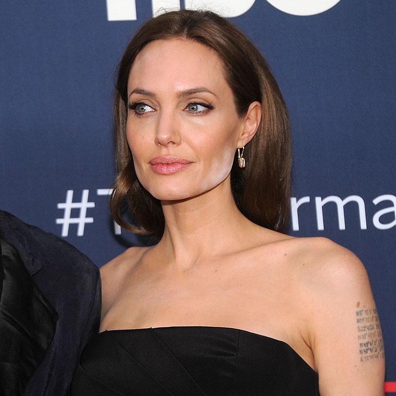 Percances sobre la alfombra, Angelina Jolie