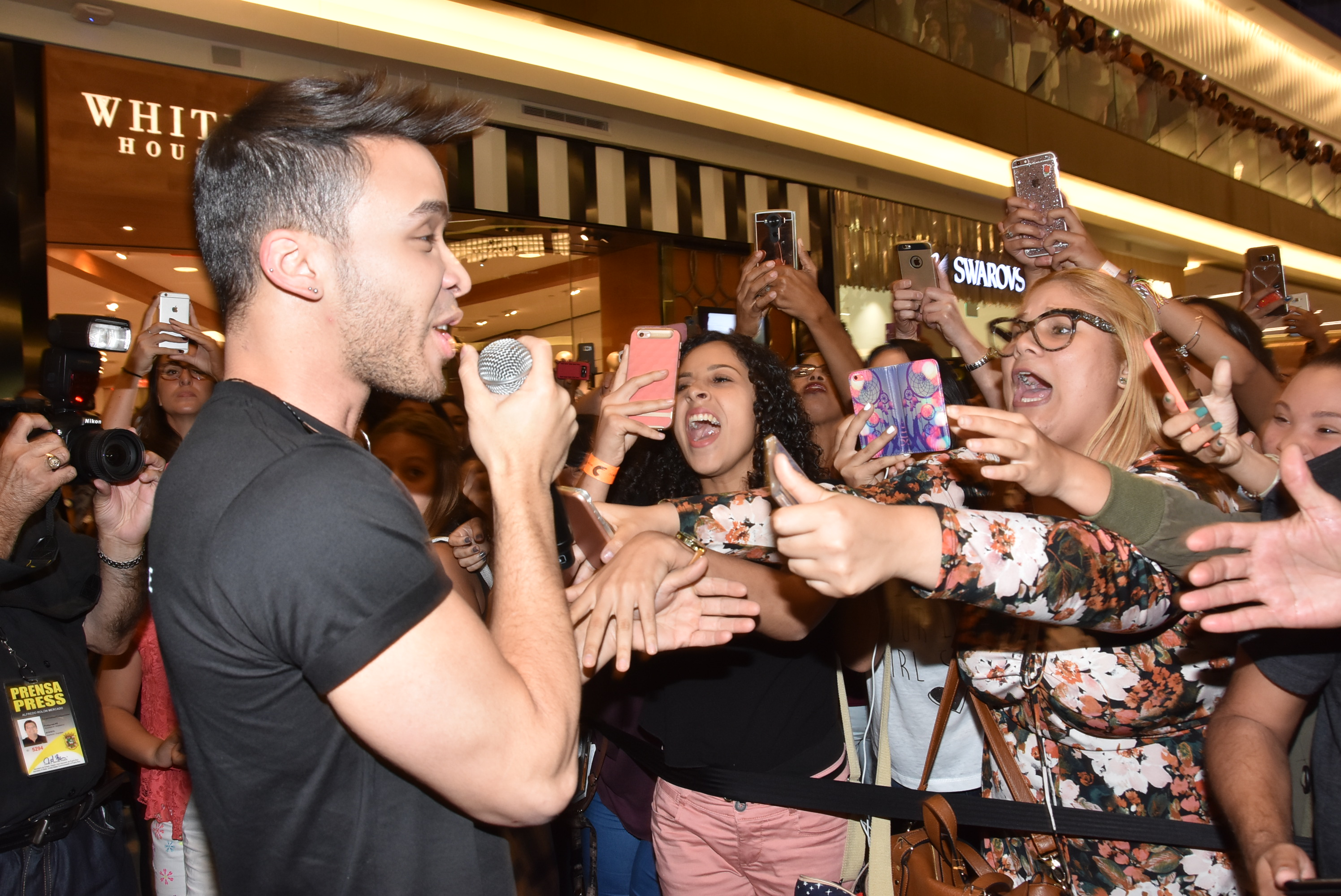 EXCLUSIVE Prince Royce Performs For His Fans In Puerto Rico