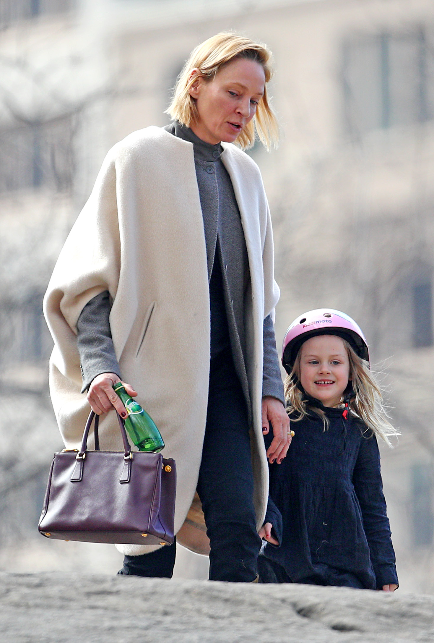 EXCLUSIVE Uma Thurman Spends Some Time Exploring Central Park With Her Daughter Luna