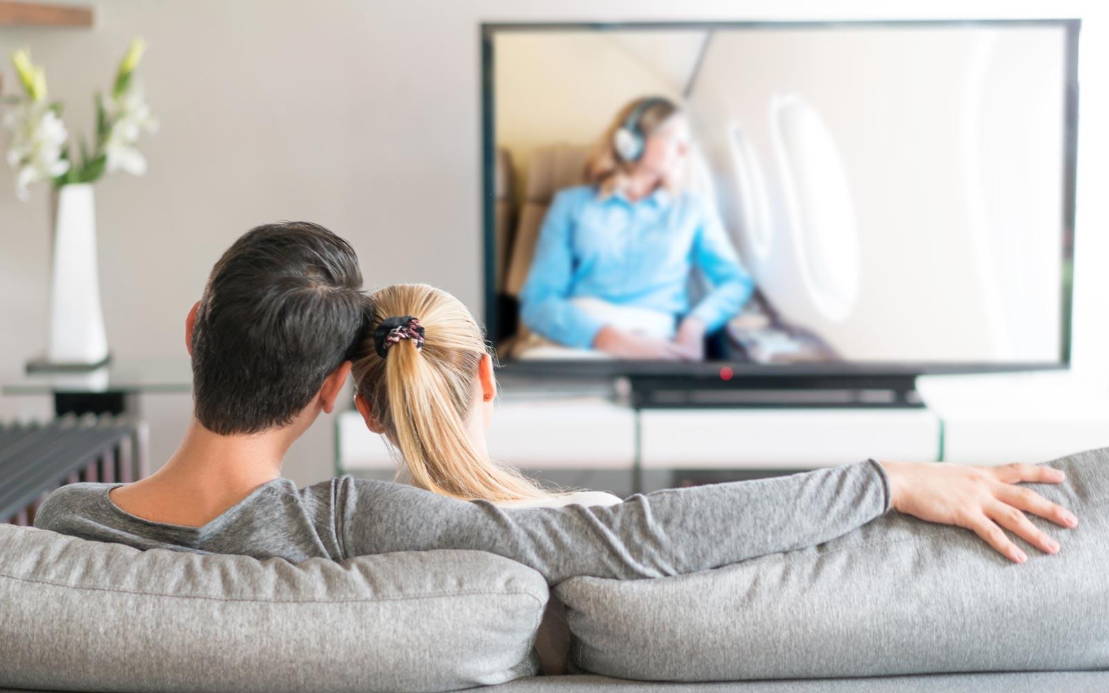 watch-movie-home-valentine0217