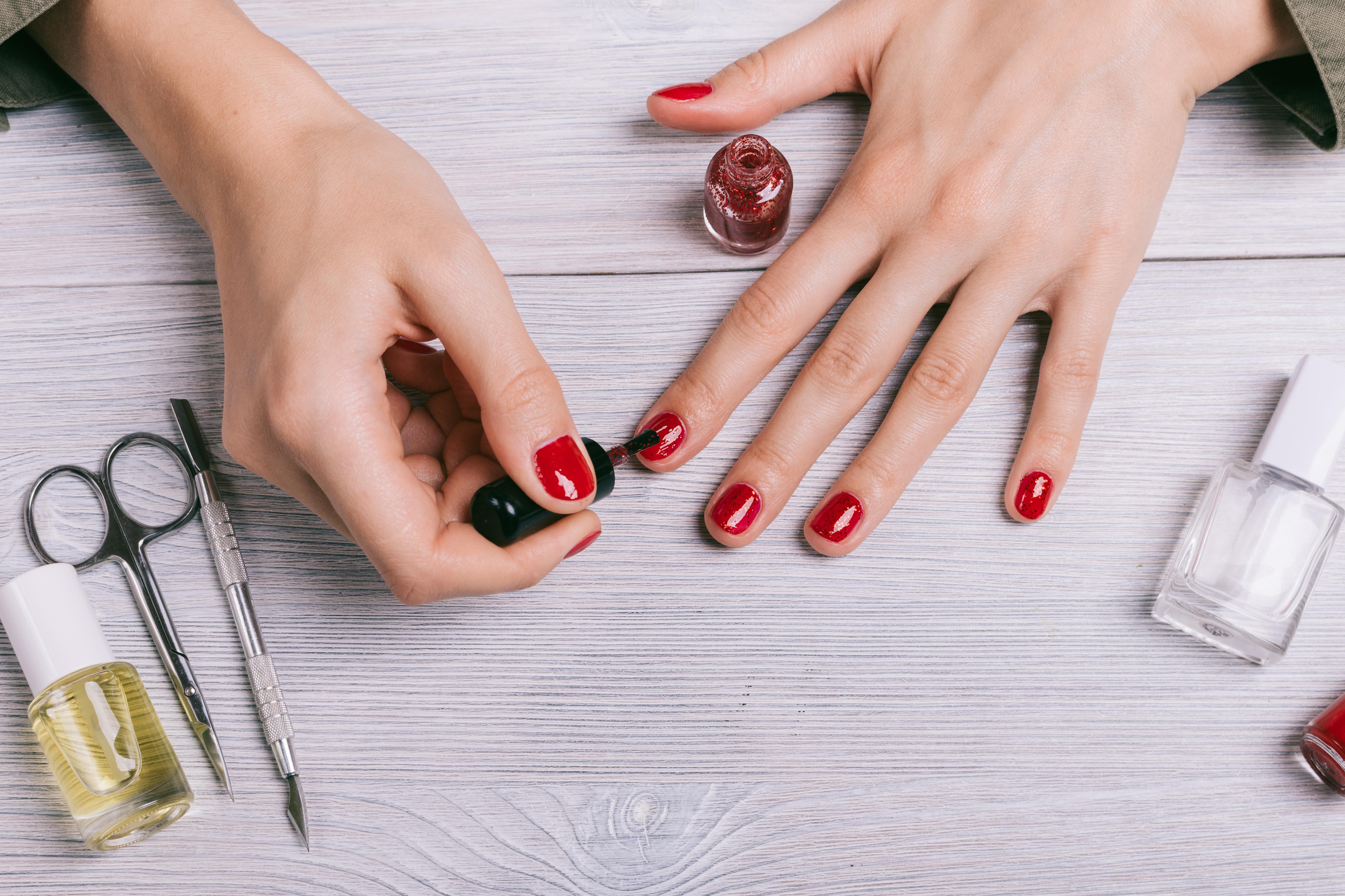 Cuidados uñas manicura