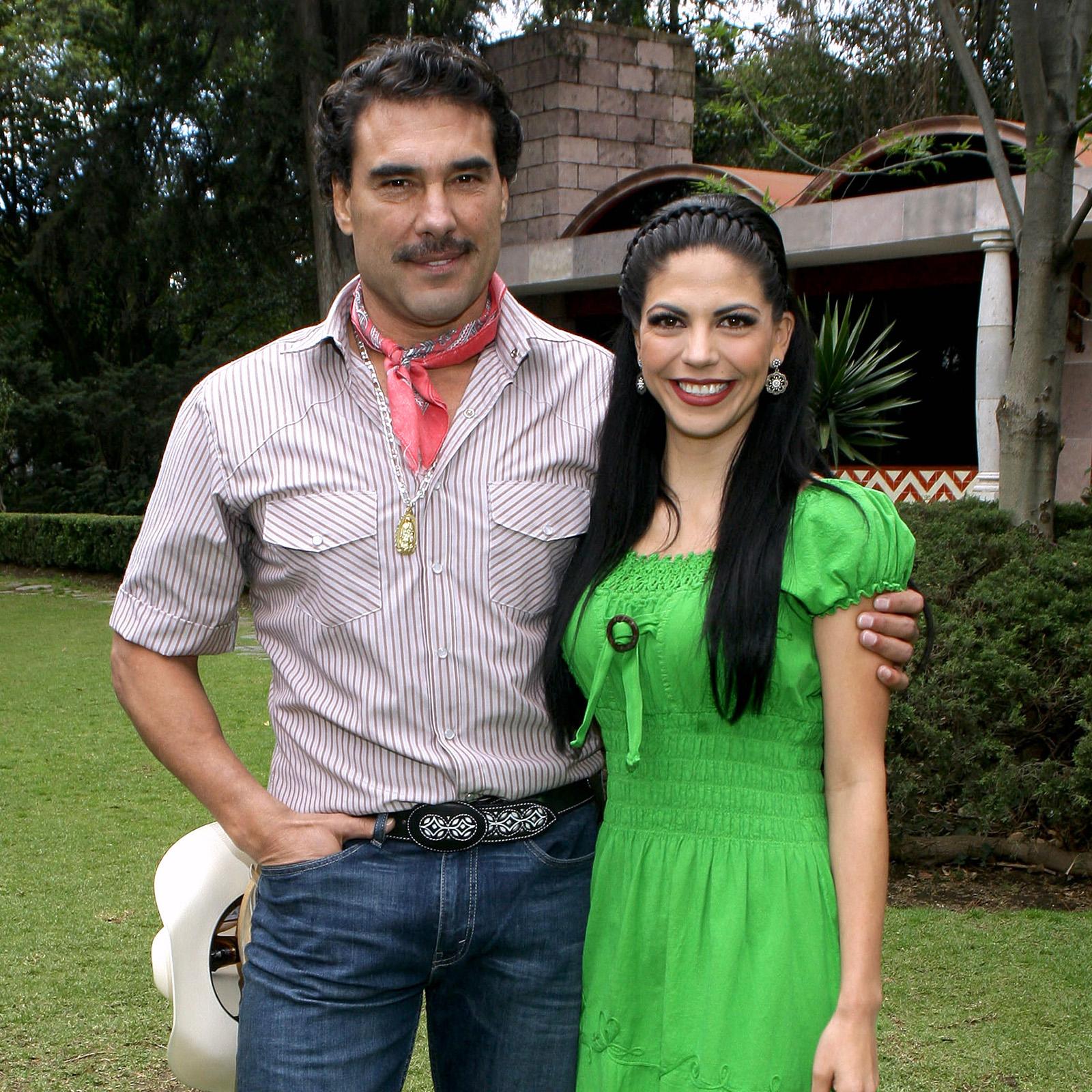 Eduardo Yañez y Africa Zavala