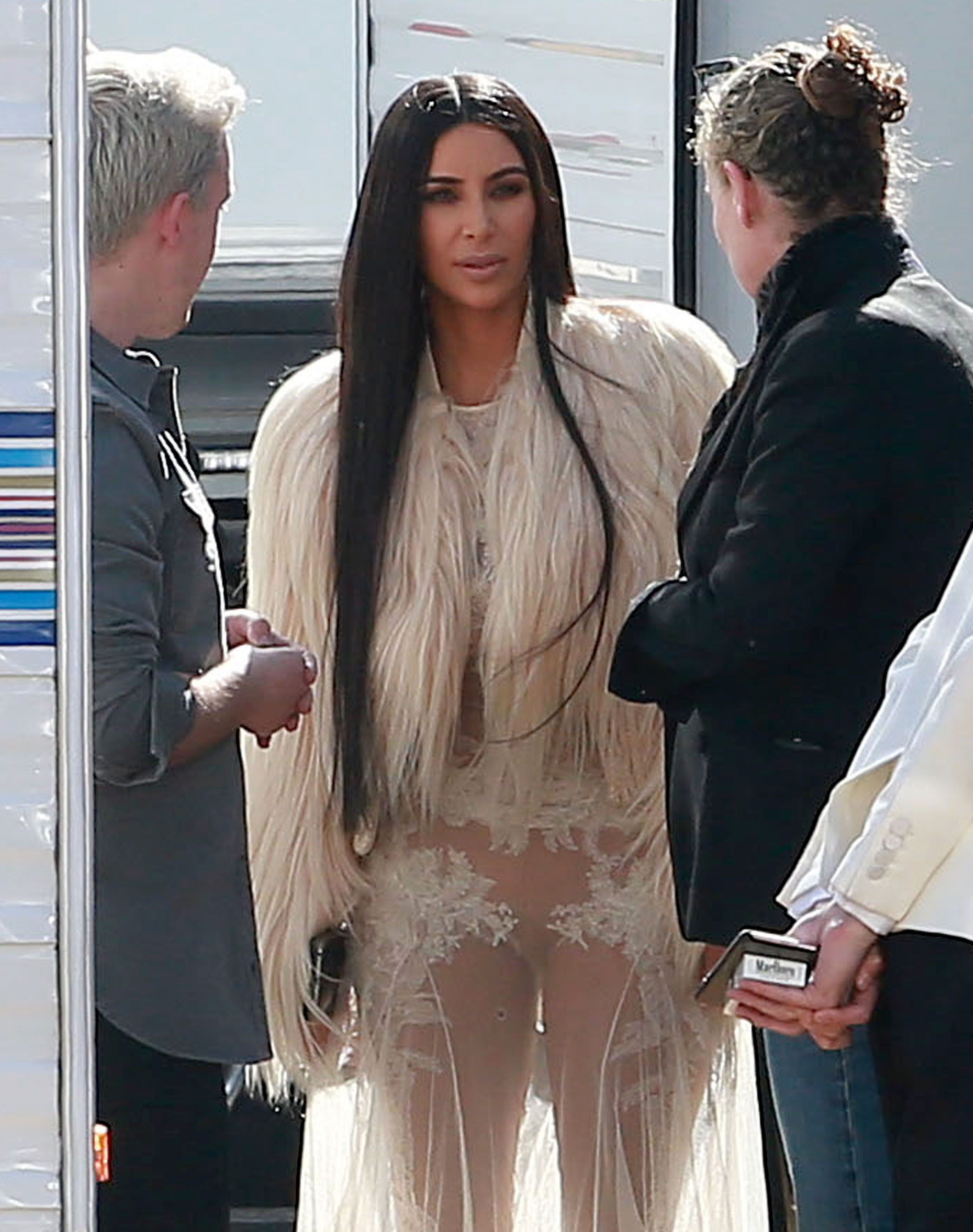 Kim Kardashian Among Other Celebrities Makes Her Ocean's Eight Cameo In a Sheer Lace Gown