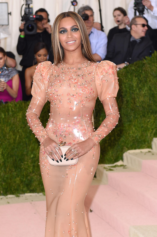 Beyoncé cumple 35 años como una fashionista