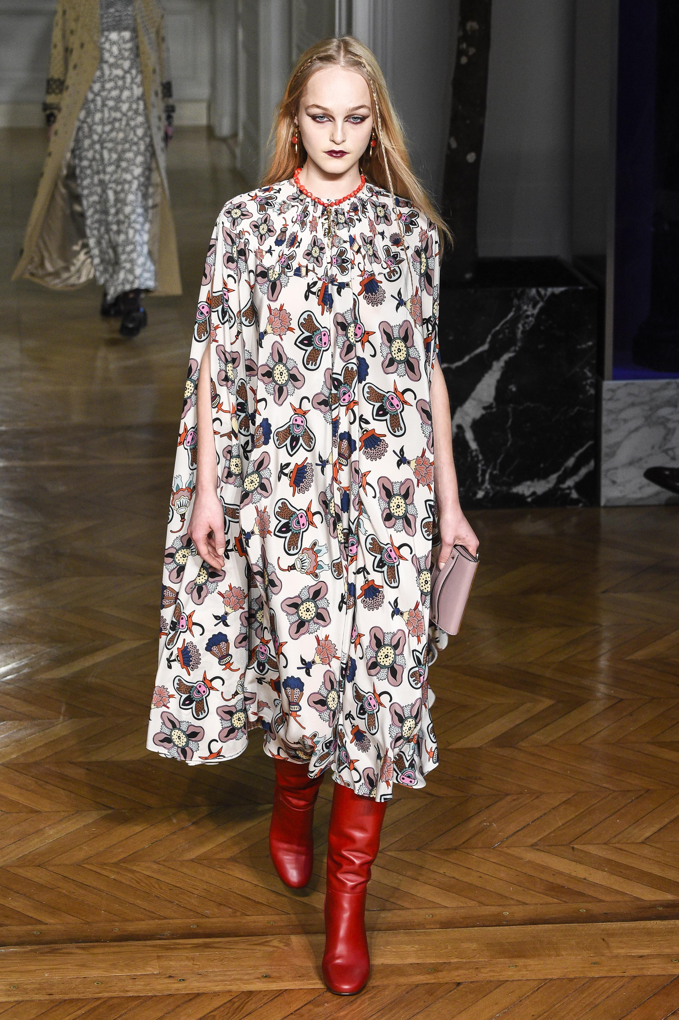 Valentino: Runway - Paris Fashion Week Womenswear Fall/Winter 2017/2018