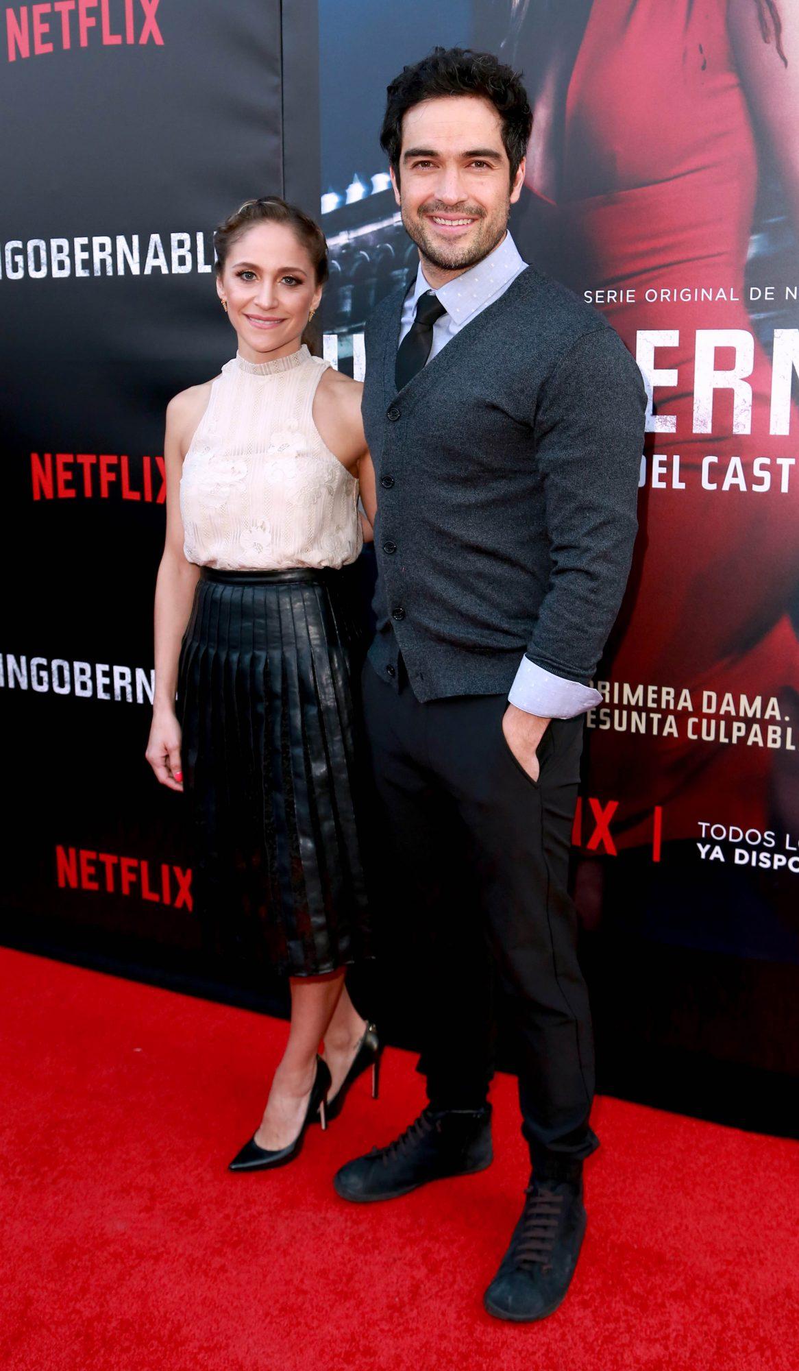 Alfonso Herrera y con su esposa