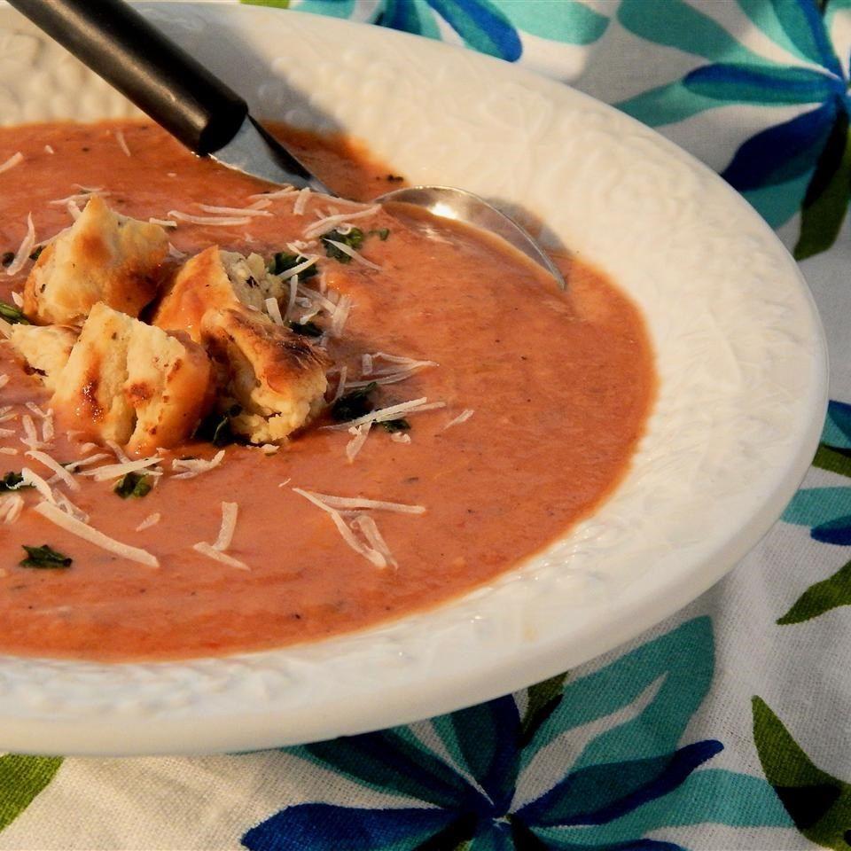 Crema de tomate con alcachofas