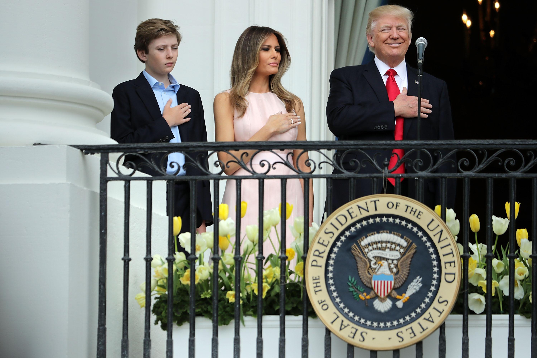 Donald Trump, Melania Trump y el hijo Barron Trump