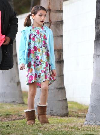 EXCLUSIVE Suri Cruise Has Fun While Mom is in NYC
