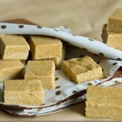 Dulces brasileños de cacahuate con leche