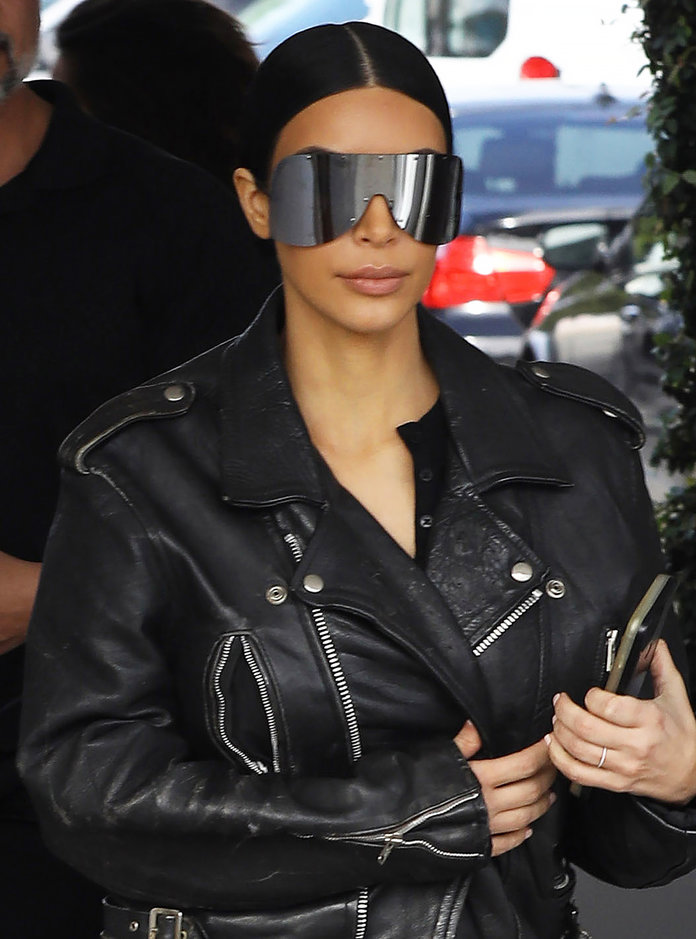 050317-kardashian-jenner-sunglasses-embed7.jpg